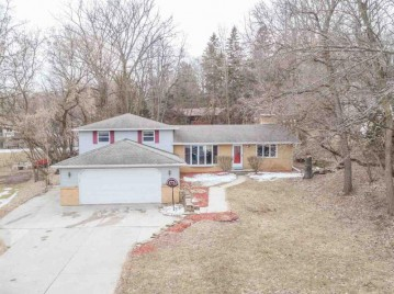 2596 DECKNER Avenue, Green Bay, WI 54302-4928