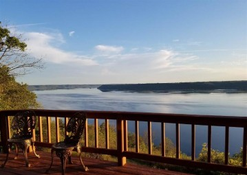 62276 Badger Ridge Rd, Ferryville, WI 54628