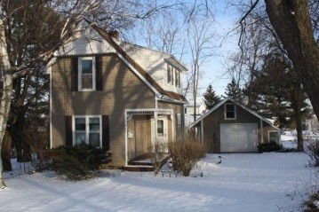 930 Center St, Mineral Point, WI 53565