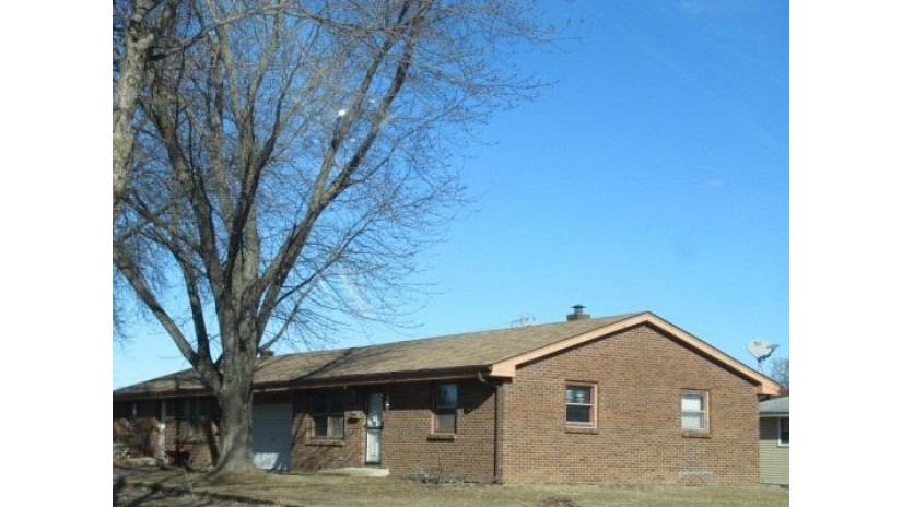 1300 Conde St Janesville, WI 53546 by Century 21 Affiliated $137,000