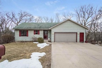422 Indian Hills Dr, Waterloo, WI 53594