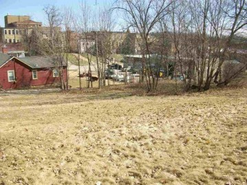 112 S Chestnut St, Mineral Point, WI 53565