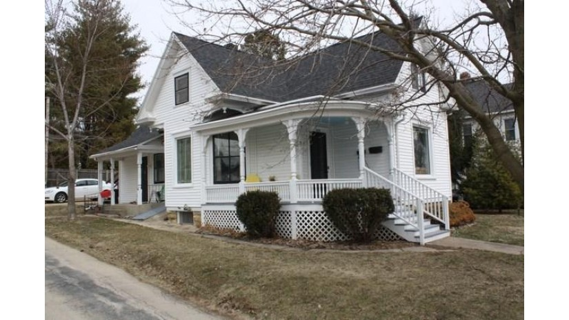 423 Doty St Mineral Point, WI 53565 by First Weber Inc $159,900