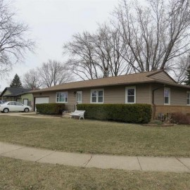 1993 Meadow Dr, Beloit, WI 53511
