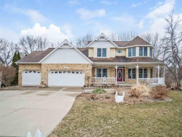 6121 Fairfax Ln, Madison, WI 53718