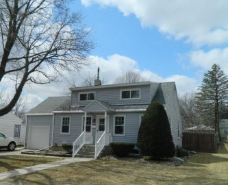 2319 15th Ave, Monroe, WI 53566