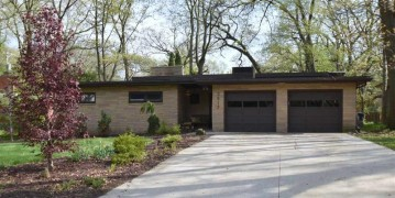 3917 Plymouth Cir, Madison, WI 53705