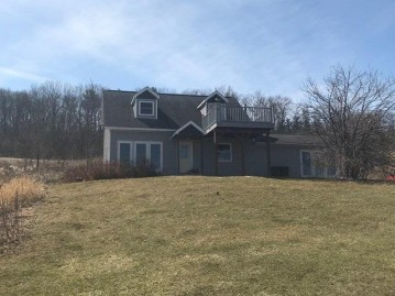 E13149 County Road W, Greenfield, WI 53913