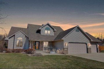 782 Donald St, Mayville, WI 53050