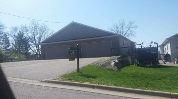 423 10th Ave, Baraboo, WI 53913-0000
