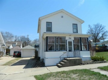 626 17th Ave, Monroe, WI 53566