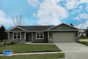 3042 Valley St, Black Earth, WI 53515