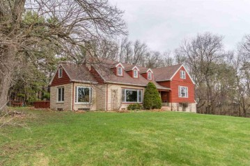 515 13th St, Baraboo, WI 53913