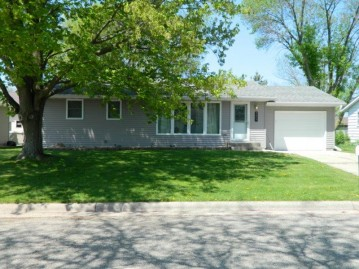 2607 8th Ave, Monroe, WI 53566