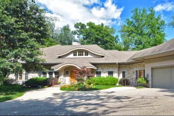 4571 Bishops Ct, Westport, WI 53562
