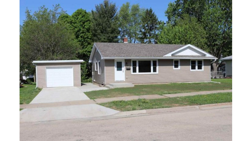 621 28th Ave Monroe, WI 53566 by First Weber Hedeman Group $135,000