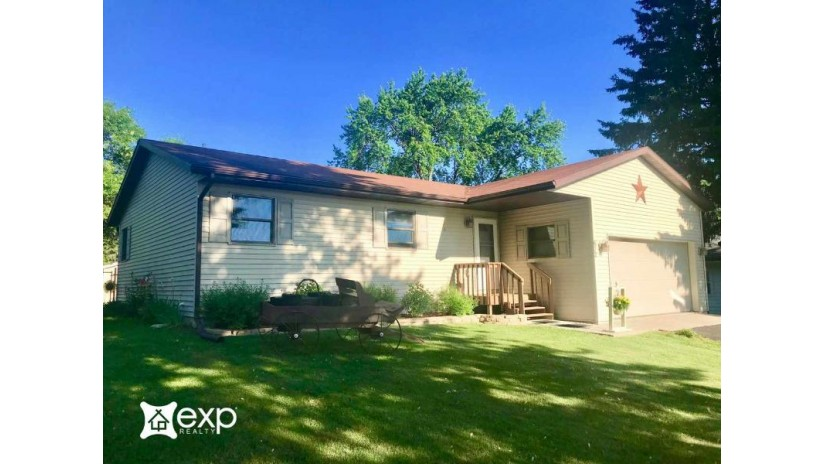 672 Babb Ave Reedsburg, WI 53959 by Exp Realty, Llc $174,900