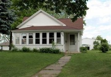 400 Division St, Mauston, WI 53948