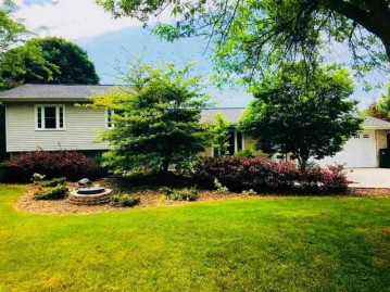 N8563 Hickory Rd, Trenton, WI 53916