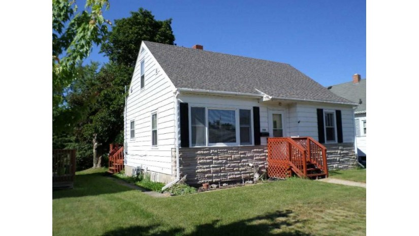 725 W Jackson St Tomah, WI 54660 by Vip Realty $103,500