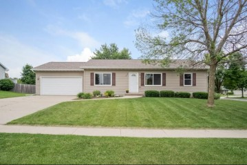 238 Sunset Ct, Deerfield, WI 53531