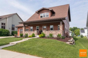 2663 Saw Tooth Dr, Fitchburg, WI 53711