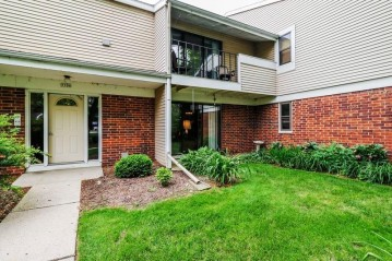 5506 Century Ave 2, Middleton, WI 53562