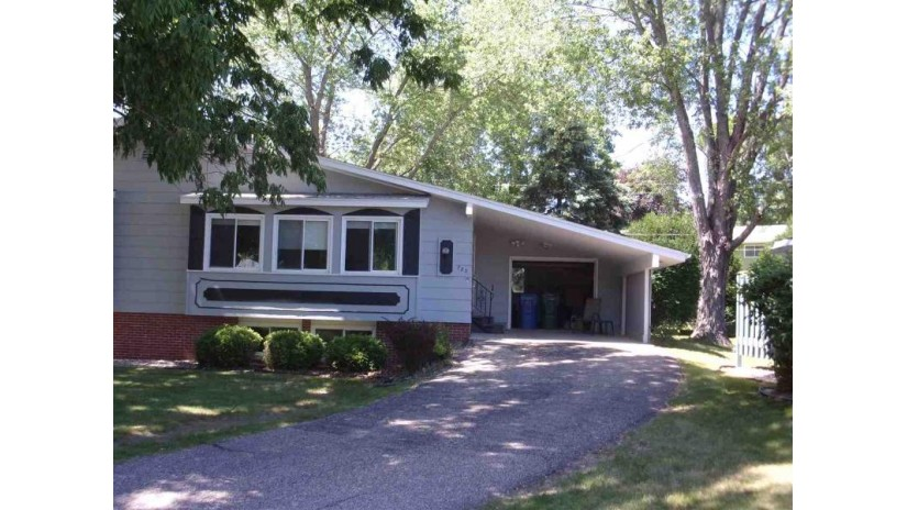 723 11th St Baraboo, WI 53913 by First Weber Inc $99,500