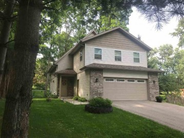 901 Connie Rd, West Baraboo, WI 53913