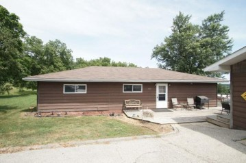 1105 Silver St, Mineral Point, WI 53565