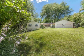 1426 E Skyline Dr, Madison, WI 53705