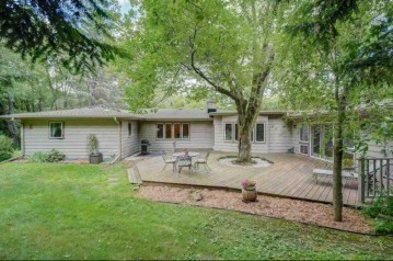 1410 E Skyline Dr, Madison, WI 53705