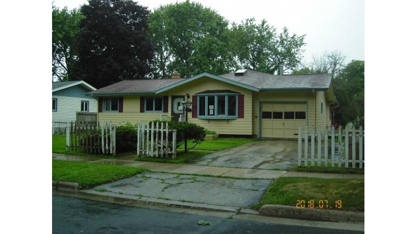 1110 Debra Ln Madison, WI 53704 by First Weber Inc $144,900
