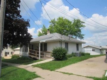 903 17th St, Monroe, WI 53566