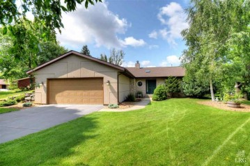 18 Rough Lee Ct, Madison, WI 53705