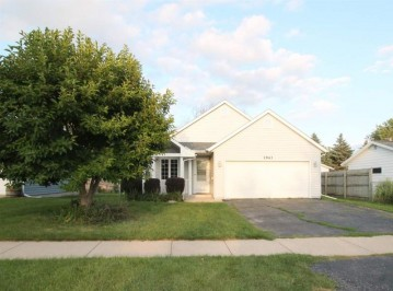 1943 S Crosby Ave, Janesville, WI 53546