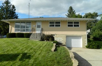 825 12th St, Monroe, WI 53566