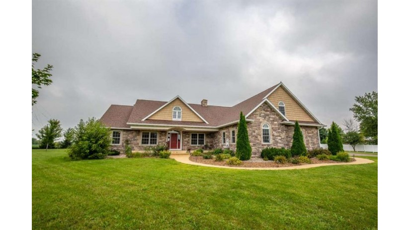 10332 Curtiss Rd Mazomanie, WI 53560 by Restaino & Associates Era Powered $499,000