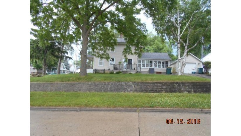 303 E 3rd St Beaver Dam, WI 53916 by Clear Choice Real Estate Services Llc $61,600