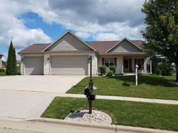 510 Vista Cir, Columbus, WI 53925