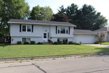 922 26th St, Monroe, WI 53566