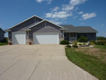 3742 Red Stone Dr, Janesville, WI 53546