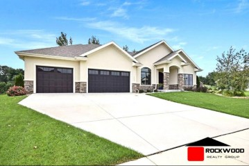 10009 Shadow Ridge Tr, Madison, WI 53562