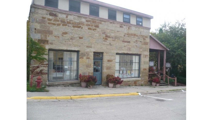 105 Commerce St Mineral Point, WI 53565-1013 by Keyes Realty $262,500
