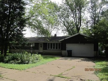 2013 Conway Dr, Janesville, WI 53545