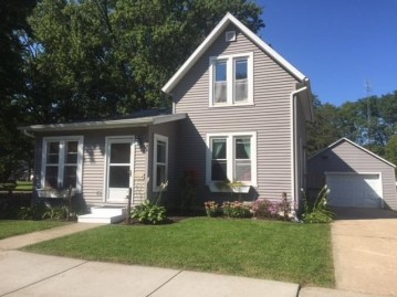 444 Ellinwood Ave, Reedsburg, WI 53959
