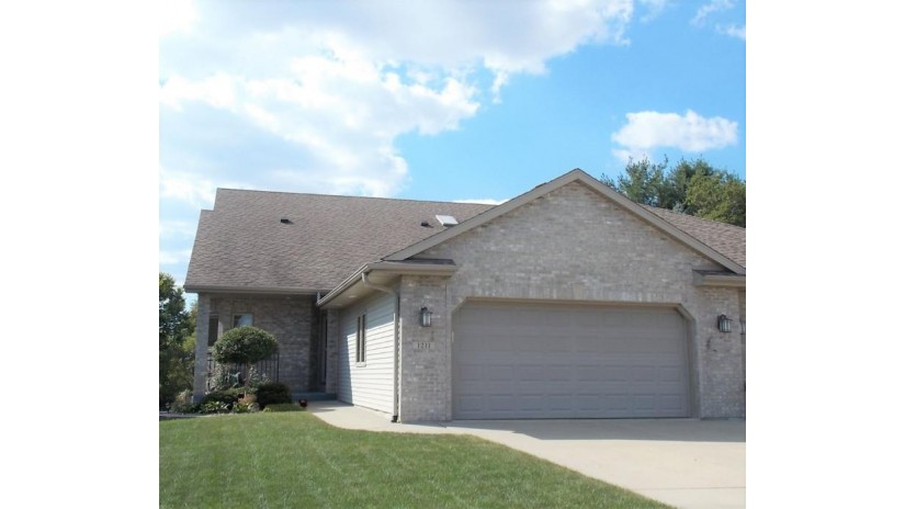 1211 Shannon Ct Janesville, WI 53546 by Century 21 Affiliated $305,900
