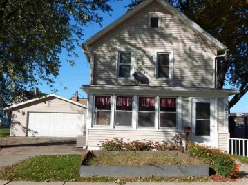 202 Maple Ave, Columbus, WI 53925