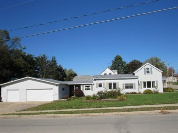 2019 11th Ave, Monroe, WI 53566
