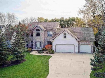 3010 Bosshard Dr, Fitchburg, WI 53711